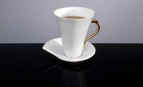 Stor kopp med guld-detaljer