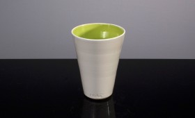 Vit grön kopp